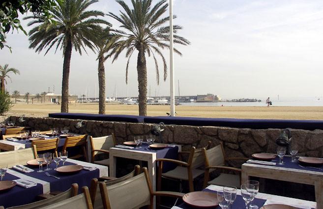 Restaurantes con terraza en barcelona barceloneta for Restaurante terraza de la 96 barranquilla