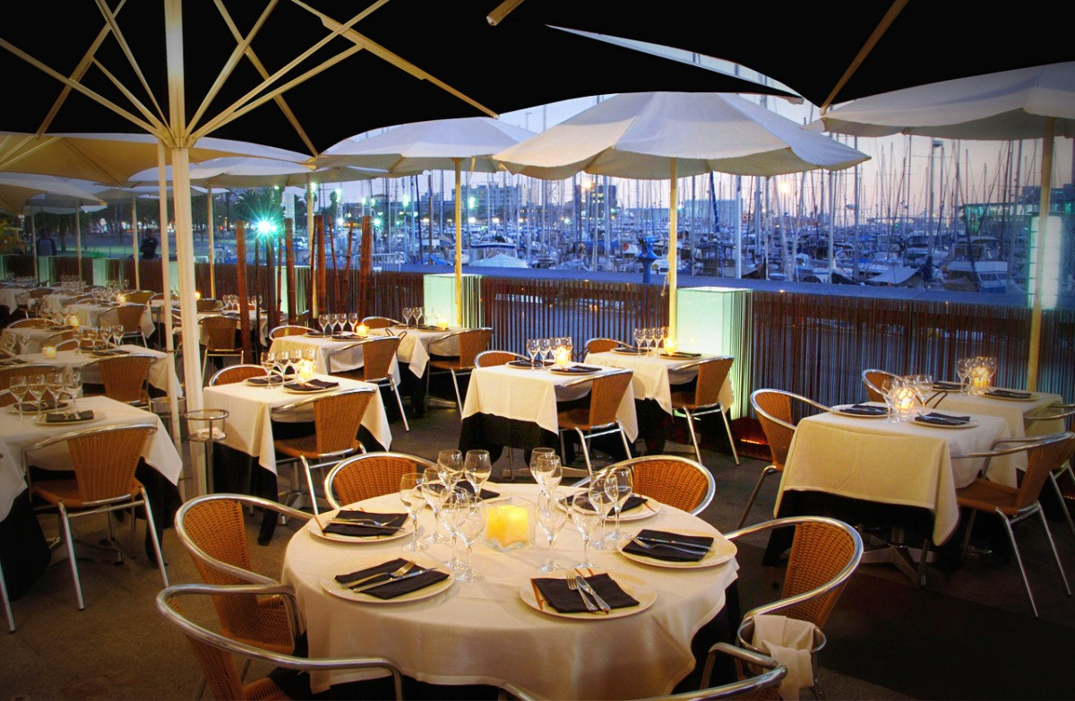 restaurantes con terraza en barcelona barceloneta