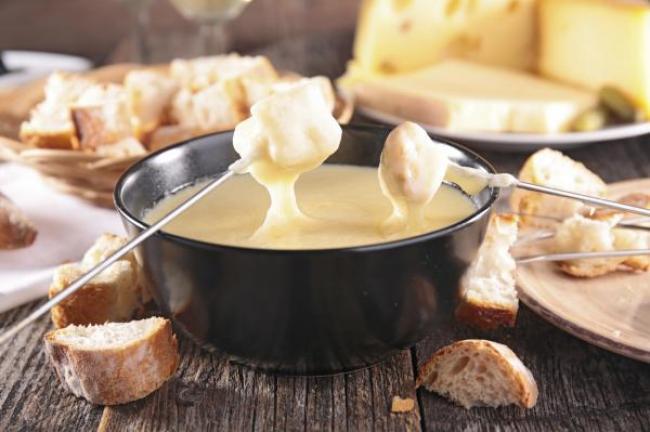 ¿Cuál es el queso que eliges para tu fondue?