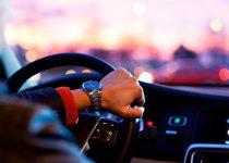 Soñar con manejar un carro
