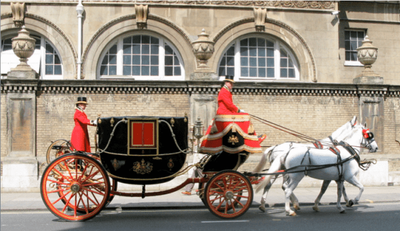 horse-drawn royal coach in London