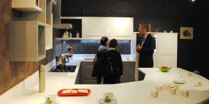 Cucine_moderne_in_legno_massello_