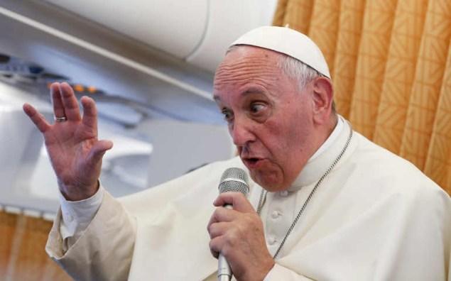 POPE-ARMENIA-PLANE