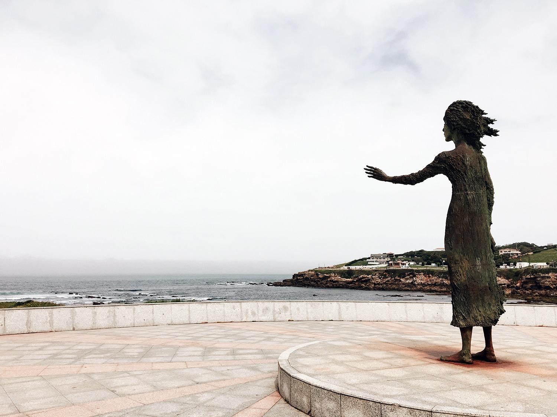 Хіхон (Іспанія). Monumento a la Madre del Emigrante