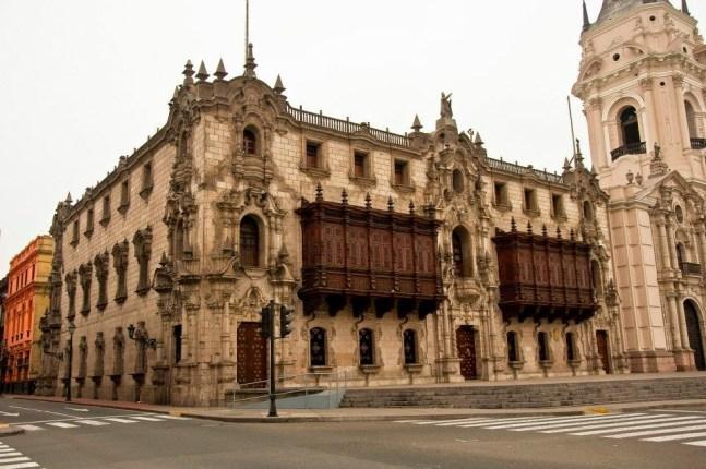 Resultado de imagem para Palácio Episcopal lima peru