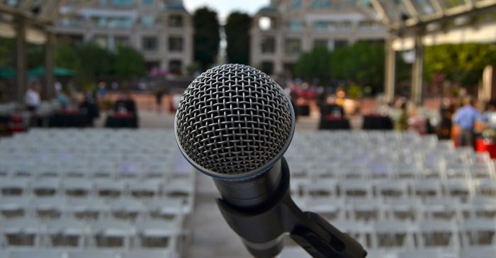 microfono escenario