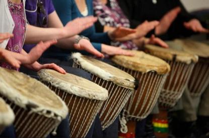 djembe-tocar-tambores