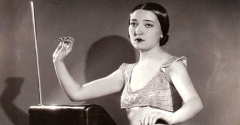 Clara-Rockmore-theremin