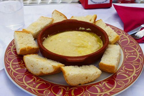 Atascaburras, uno de los platos típicos de Almansa