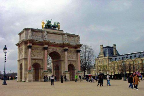 Arco del Triunfo del Carrusel, uno de los arcos y puertas de París