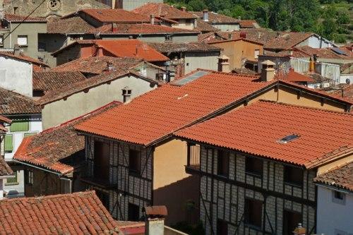 Arquitectura verata en Garganta la Olla