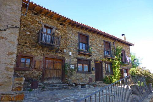 Casa tradicional de La Hiruela, uno de los pueblos más bonitos de Madrid