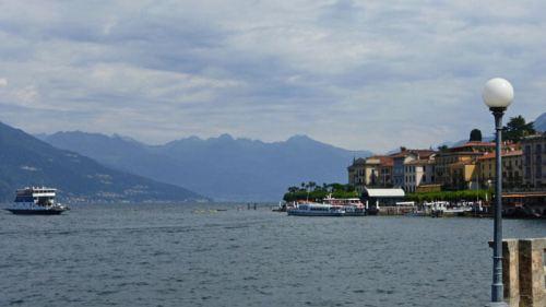 Los barcos y transbordadoress son la forma más pintoresca de recorrer el Lago de Como