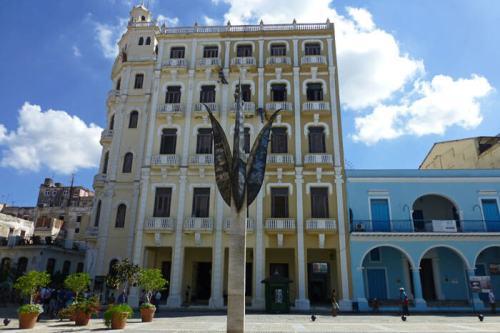 Edificio Gómez Villa, el más alto de la Plaza Vieja de La Habana