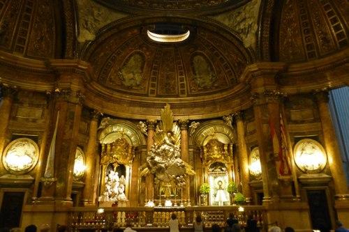 Capilla de Nuestra Señora del Pilar, alberga la imagen de la patrona de Zaragoza