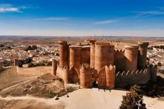 Belmonte a los pies de su famoso castillo medieval