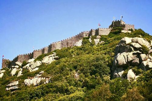 Castillo de los Moros sobre las colinas de Sintra