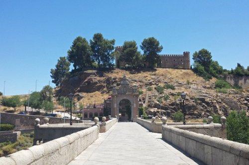Castillo de San Servando junto al Puente de Alcántara, castillos de Toledo