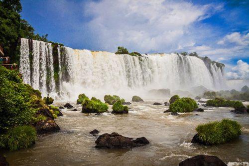 Cataratas de Iguazú en la frontera entre Argentina y Brasil