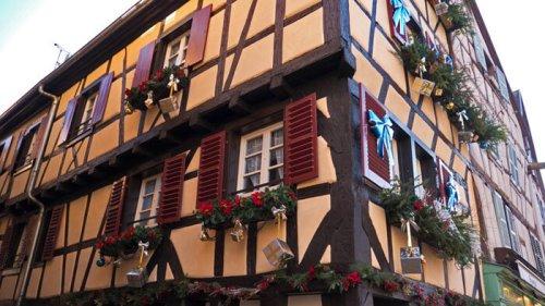 Detalle de uno de los edificios de estilo gótico alemán que se pueden ver en Colmar