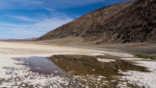 Badwater Basin, uno de los sitios más emblemáticos del Valle de la Muerte