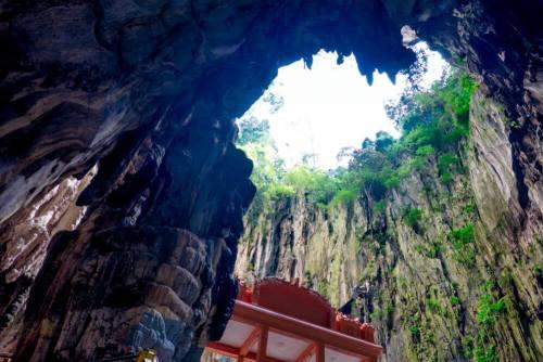 Cueva de la Catedral, la más grande las Cuevas de Batu