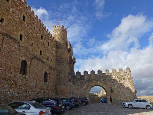 Entrada al Castillo de Sigüenza, actual Parador de Turismo