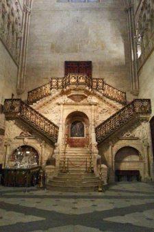 Escalera dorada de la Catedral de Burgos