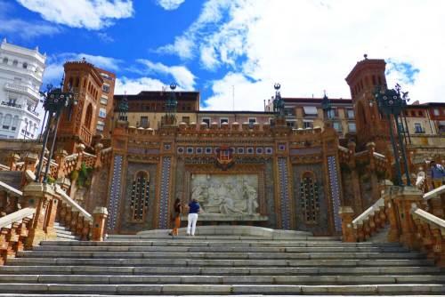 Escalinata de Teruel o Escalinata de la Estación
