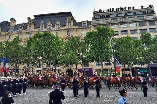 Desfile militar por el Día Nacional de Francia