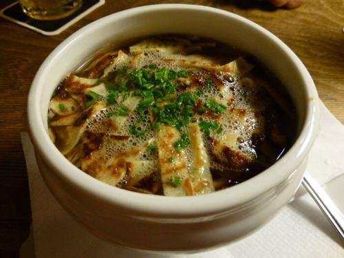 Frittatensuppe, una de las sopas más típicas de la gastronomía de Innsbruck