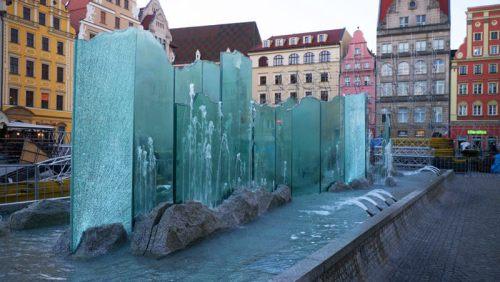 Fuente Zdrój, uno de los tres elementos decorativos de la Plaza Rynek de Breslavia