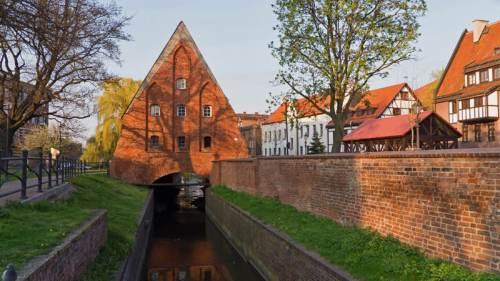 Gran Molino de Gdansk sobre el canal Radunia