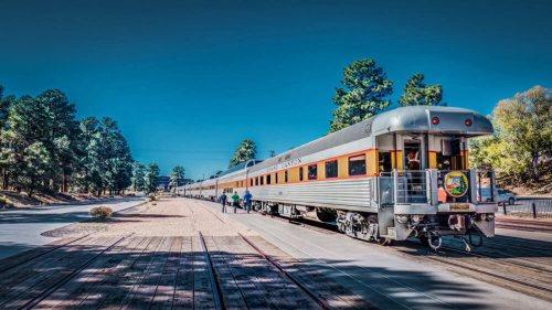 Grand Canyon Railway a su llegada al Gran Cañón del Colorado