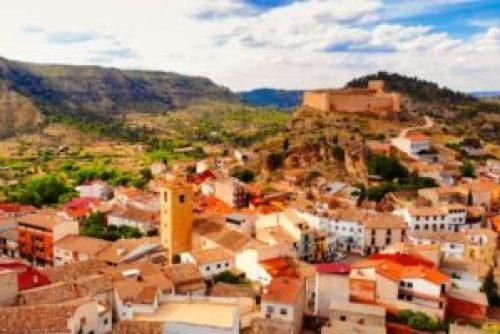Casco urbano de Enguídanos, uno de los pueblos más bonitos de Cuenca