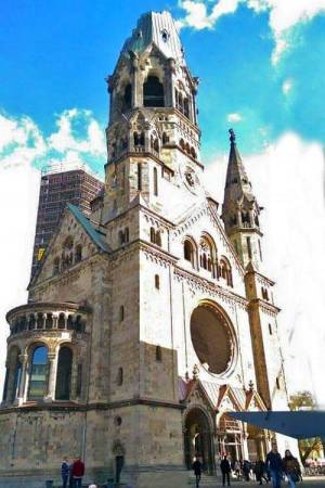Exterior Iglesia Memorial Kaiser-Wilhelm