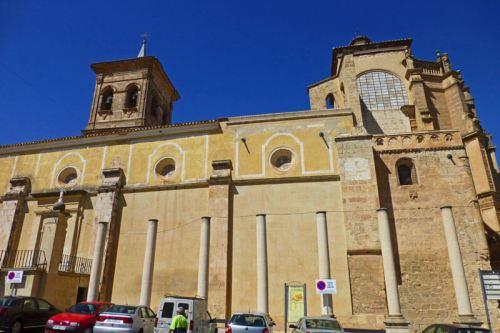 Iglesia de Santa María del Salvador en la Plaza de la Mancha