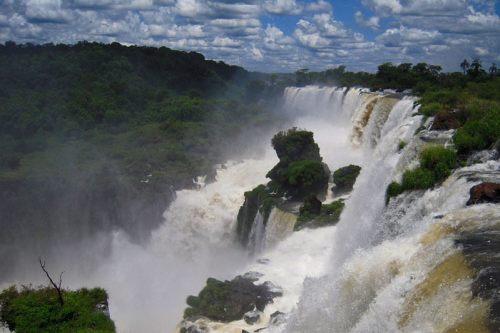 Vistas de las Cataratas de Iguazú desde el Circuito Superior