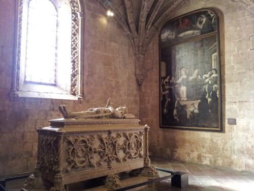Tumba del poeta Luis Camoes en el Monasterio de los Jerónimos