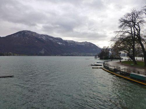 Lago de Annecy, el segundo de origen glaciar más grande de Francia