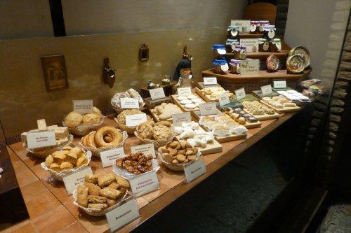 Dulces tradicionales toledanos, qué comer en Toledo