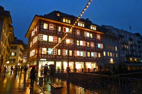 Edificio histórico de Lucerna, una de las ciudades más bonitas de Suiza
