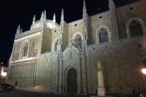 Vista nocturna del Monasterio de San Juan de los Reyes