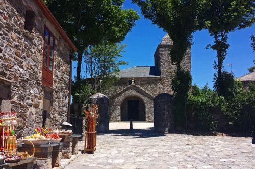 Iglesia de Santa María la Real en O Cebreiro