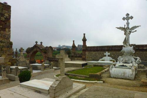 Panteón de los Piélago en el Cementerio de Comillas
