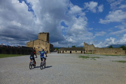 Patio de Armas del Castillo de Aínsa