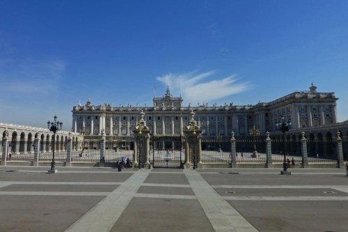 Plaza de la Armería frente al Palacio Real de Madrid