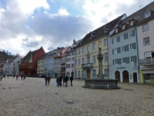Plaza de la Catedral de Friburgo de Brisgovia (Münsterplatz)