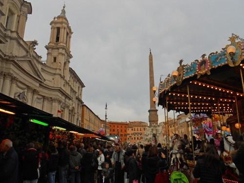 Plaza Navona adornada para las fiestas de Roma