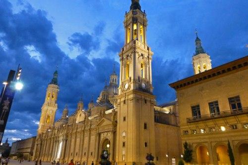 Basílica de Nuestra Señora del Pilar en la Plaza del Pilar